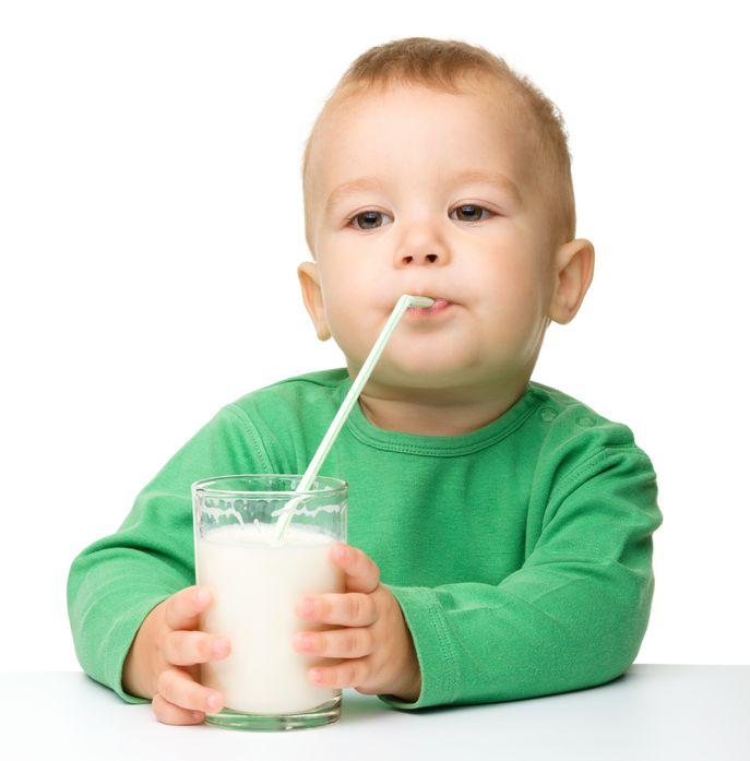 toddler drink milk from battle ile ilgili görsel sonucu